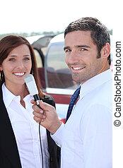 Un, periodista, Entrevistar, mujer
