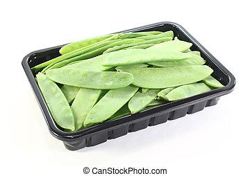 Sugar peas in a bowl