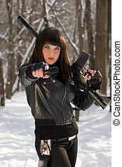 Retrato, jovem, mulher, arma
