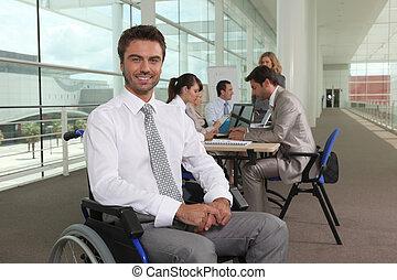 incapacitado, oficina, trabajador, colegas
