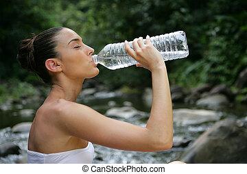 mujer, bebida, agua