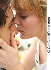 jovem, par, beijo
