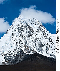 Pumo ri and Kala Patthar mountains in Himalayas. Nepal...