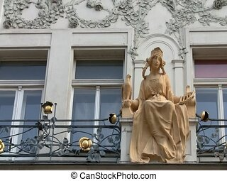 Statue of a queen on Czech building - Statue of a queen on...