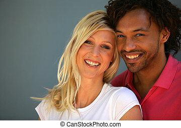 retrato, interracial, pareja