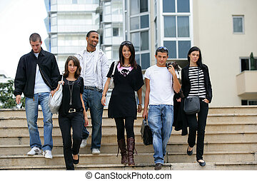 jovem, homens, jovem, mulheres, vinda, BAIXO, escadas