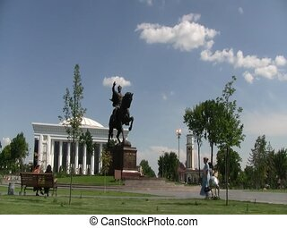 Statue outside Kyrgyz building - statue of Manas Ordo...