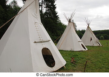 Indian teepee - Row of native American sheleters - teepees