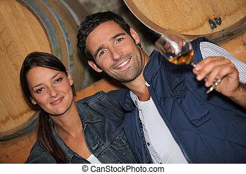 młody, Para, Degustacja, Wino, piwnica