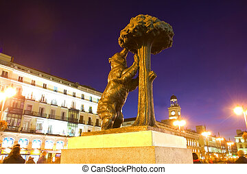 bear with strawberry tree and plaza del Sol, Madrid, Spain