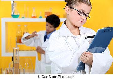laboratório, dois, trabalhando, crianças