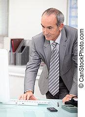 maduras, CEO, trabalhando, escritório
