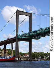 Elfsborgsbron 01 - A suspension bridge called the...