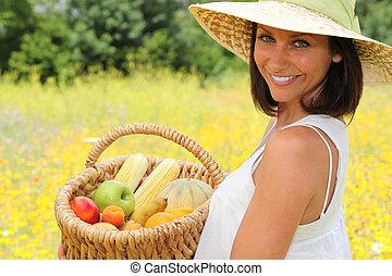 carrying basket fruit