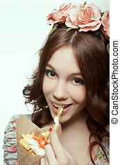 Woman eating pommes frites