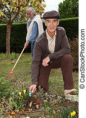 farföräldrar, trädgårdsarbete