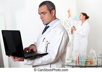 trabalhando, laboratório, cientistas