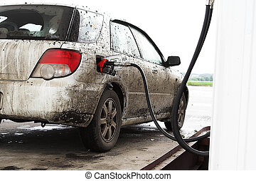 The dirty automobile - This automobile it is necessary to...