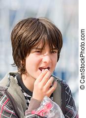 Kid eating popcorn
