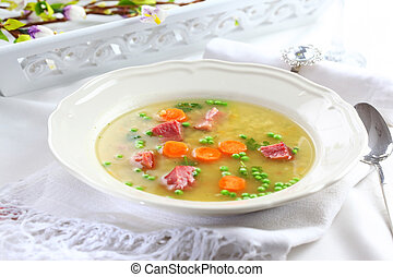 Vegetable soup with meat and bulgur