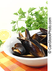 fresh mussels in a bowl