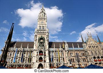 munchen marienplatz - Munchen: Marienplatz, New Town Hall...