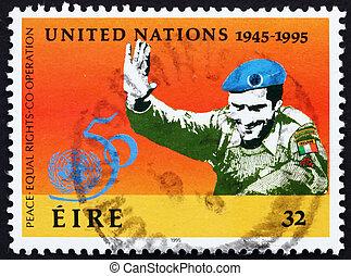 Postage stamp Ireland 1995 UN Soldier - IRELAND - CIRCA...