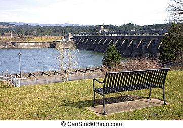 Bonneville dam, Columbia River Gorge, Oregon. - Bonneville...