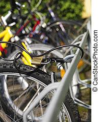 ロックされた, 自転車