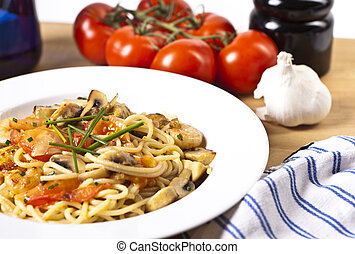 Spaghetti - Das Foto zeigt ein Teller mit Spaghetti