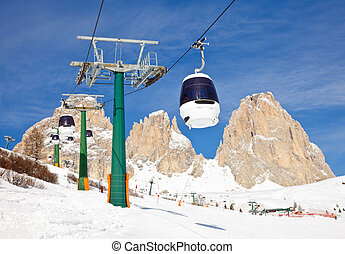 Cable car with supporting towers - Monocable gondola lift at...
