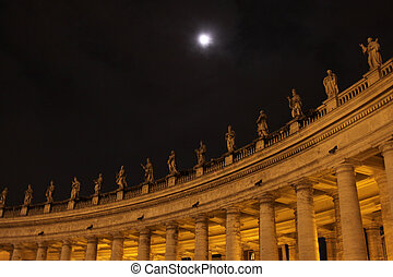 St Peters Colonnade - The colonnade in Saint Peters Square,...