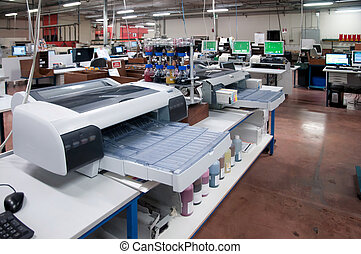 Large centralized photo developing labs - Professional photo...