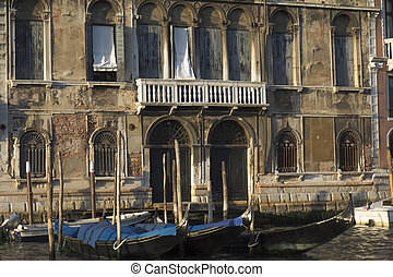 Damaged facade, Venice