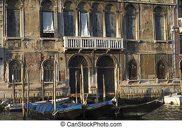 Damaged facade, Venice