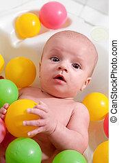 わずかしか, ボール, カラフルである, 浴室, 赤ん坊, 持つこと