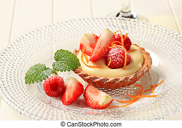 Dessert - Small custard tart with fresh fruit
