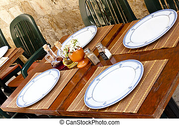 Restaurant table - Dubrovnik - Empty table in street...
