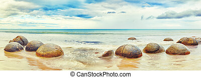 Moeraki Boulders panorama New Zealand