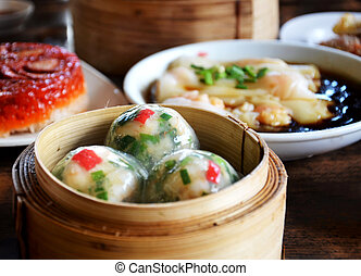 crystal chives dumpling - Steamed crystal chives dumplings :...