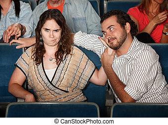 Molestado, novia, en, teatro