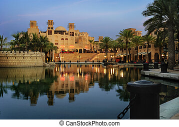 Madinat Jumeirah in Dubai at night