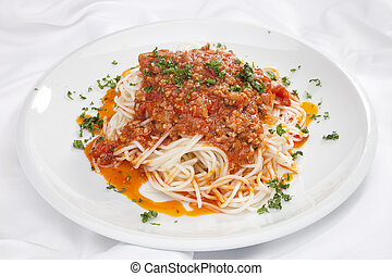 Spaghetti Bolognese w chopped parsley