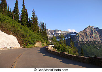 Going to the sun road - Going to the road in Glacier...
