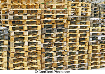 wood pallets for the storage of the goodsods