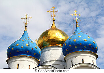 Cathedral cupolas - Dormition cathedral (1585) in Trinity...