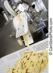 The fresh pasta industry - Automated food factoy make...