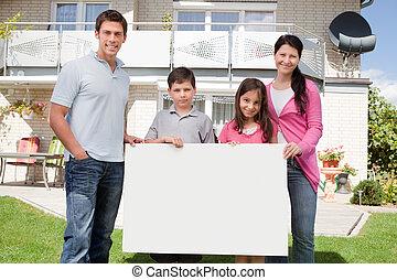 família, jovem, pretas, tábua, segurando, branca