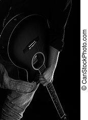 hombre, guitarra, oscuridad