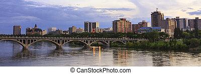 Saskatoon Skyline - Saskatoon cityscape with the University...